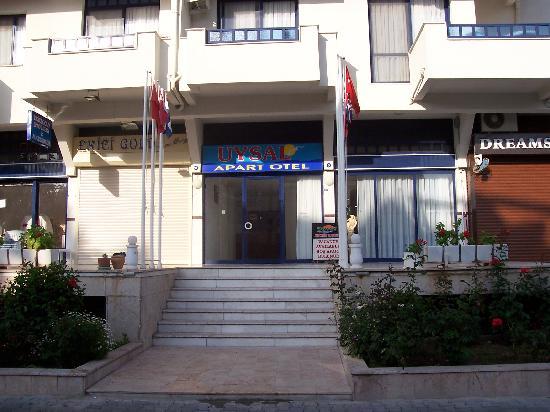 Uysal Apart: Entrance to Apartments