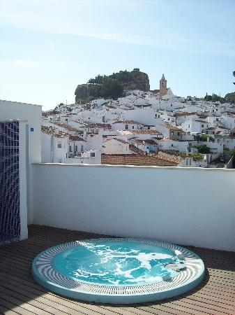 Apartamentos Ardales: View from the pool area on the roof.