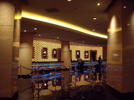 front desk foyer picture of planet hollywood resort casino las rh tripadvisor com planet hollywood front desk las vegas