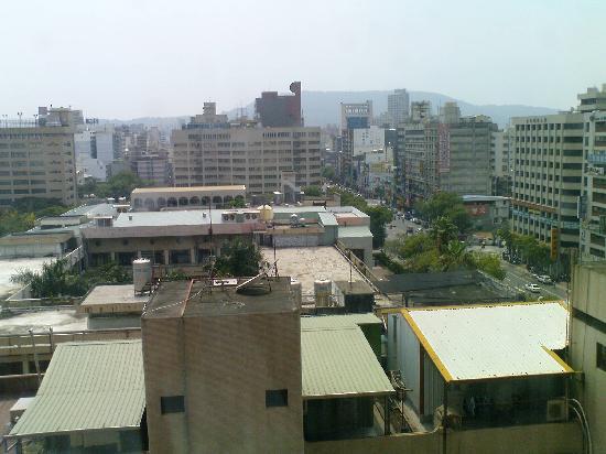 โฮวาร์ด พลาซ่า โฮเต็ล เกาสง: View from the 8thfloor