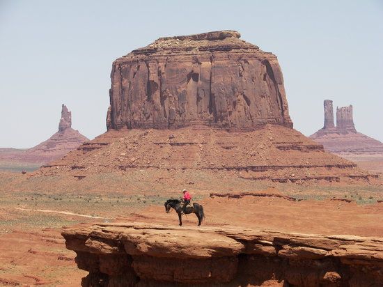 Monument Valley, Γιούτα: A cowboy lost in thoughts