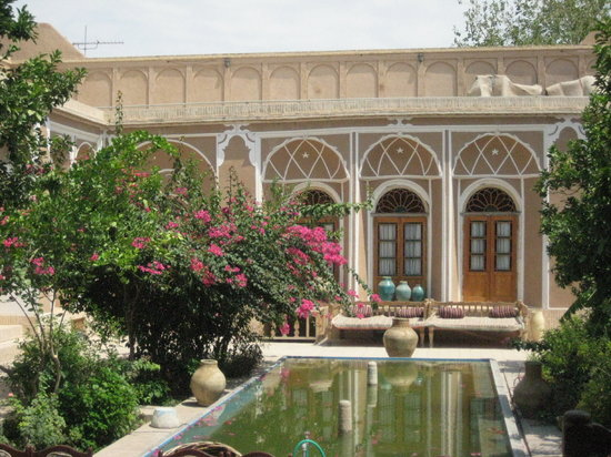 Fabuleux Garden of Kohan Kashane, teahouse and hotel in traditional Persian  BB94