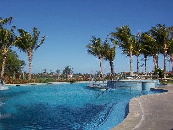 Kohala Suites by Hilton Grand Vacations : hgvclub pool