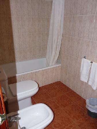Aparthotel CYE Holiday Centre : Bathroom