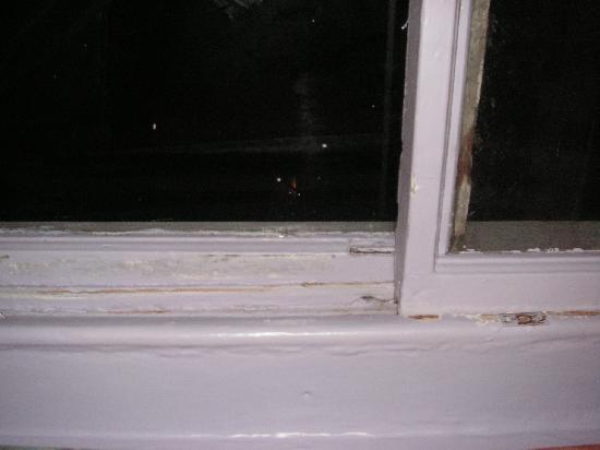 Marble Arch Inn: Fenster