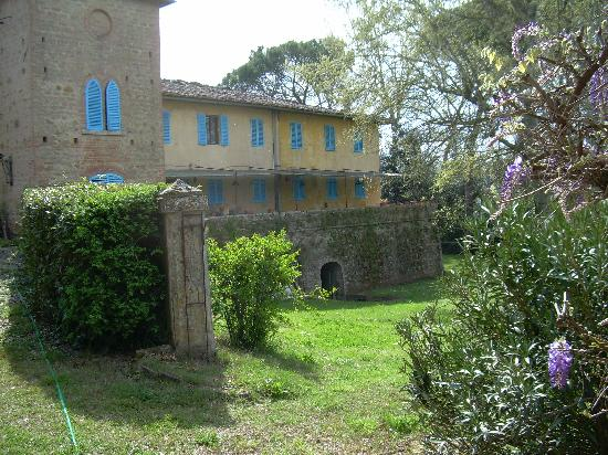 Fattoria Bassetto: 14th centhury beutiful villa early spring