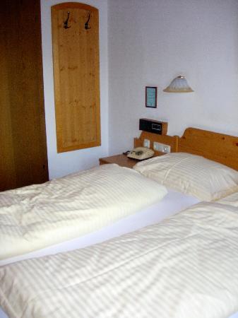 Rosslwirt Hotel: My basic hotel room
