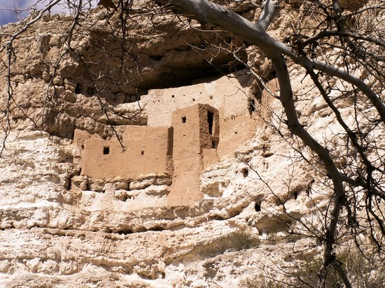 Montezuma Castle National Monument: One can see this monumentt from a distance.