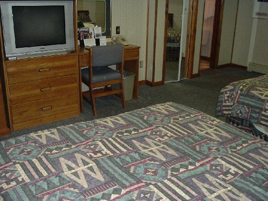 Monterey Non-Smokers Motel: Large, clean rooms
