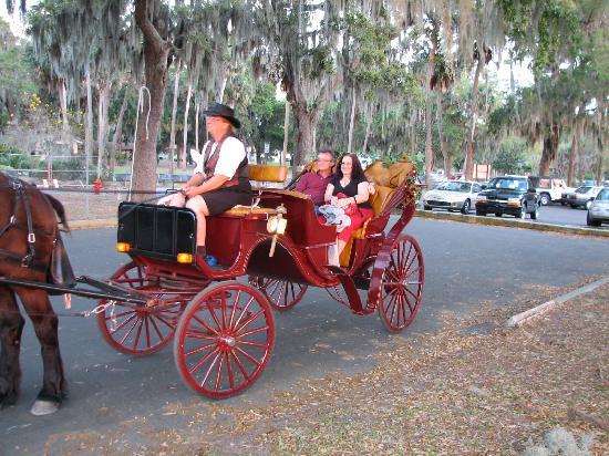Mount Dora Historic Inn: Horse and bugg ride