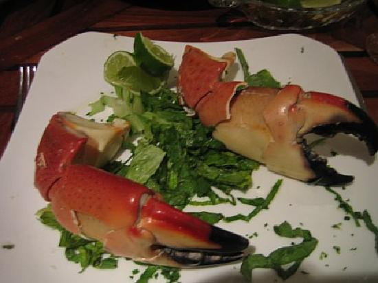 Crab House Cancun: stone crab