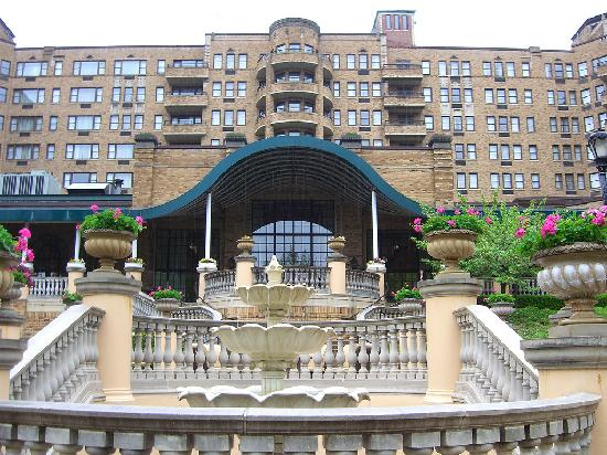 outside view at sunset picture of omni shoreham hotel. Black Bedroom Furniture Sets. Home Design Ideas