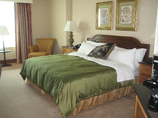 Grandover Resort and Conference Center: Room w/King bed