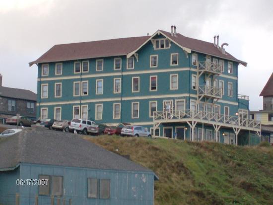 Sylvia Beach Hotel: Slyvia Beach Hotel view from Nye beach