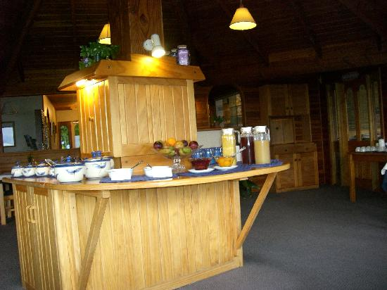 Kimi Ora Eco Resort: Buffet desayuno