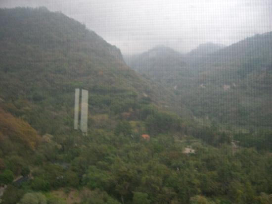 Hotel La Riviera de Atitlan: Vue montagne de l'autre côté