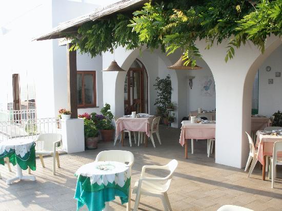 Hotel Miramare: Restaurant terrace
