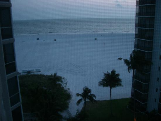 GullWing Beach Resort: View from our room at dusk