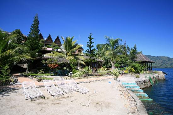 Samosir Cottages resort: front hotel