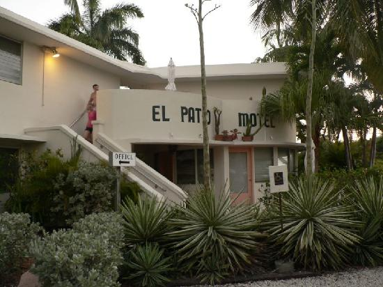 El Patio Motel Front