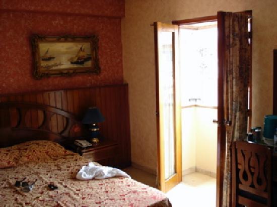 Hotel Acapulco: room