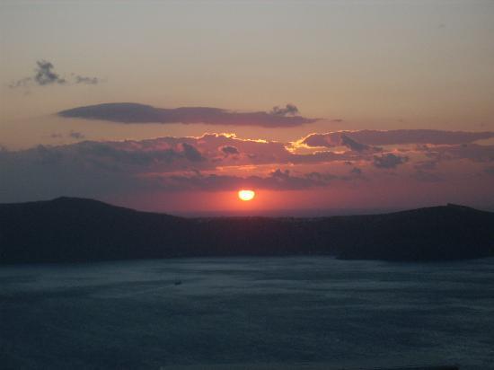 Remezzo Villas: Santorini Sunset