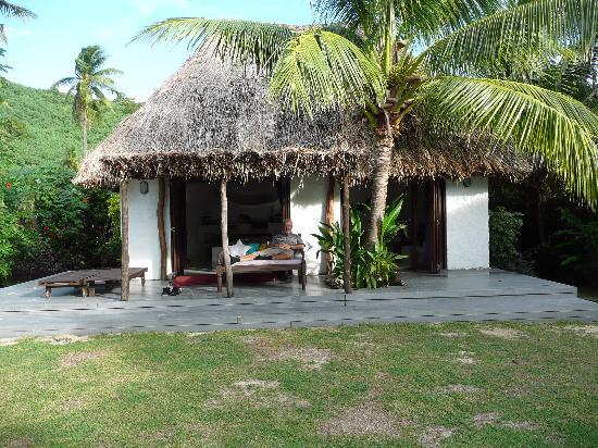 Navutu Stars Fiji Hotel & Resort: Beachfront bure