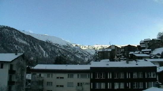 Hotel Alphubel Zermatt: Veiw from our balcony