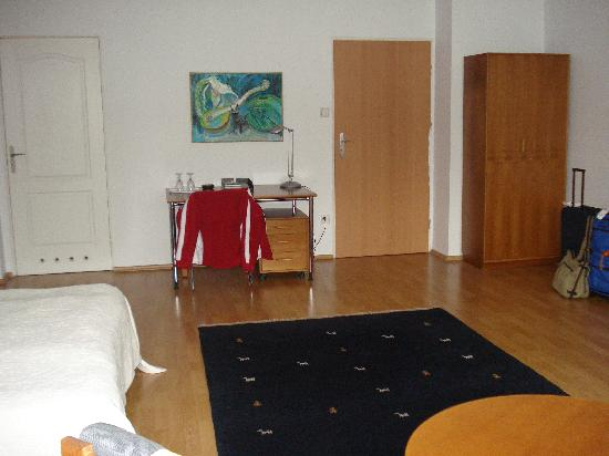Nordic House Apartments : Our room - 32