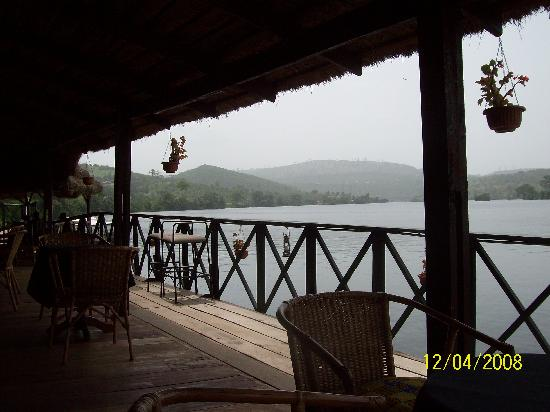 Afrikiko River Front Resort: View of lake Volta from the restaurant