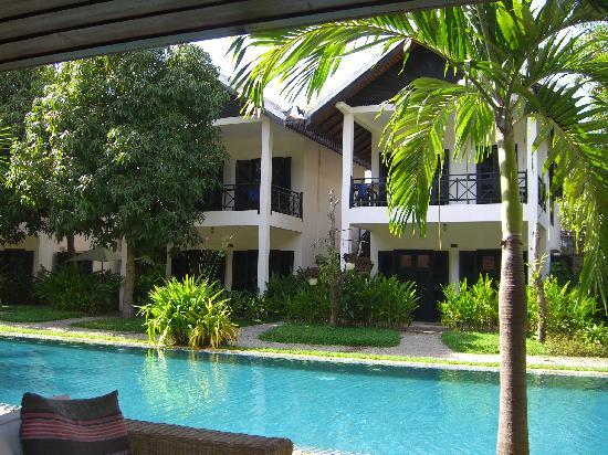 โรงแรมลา เมซอง ดังกอร์: Poolside rooms