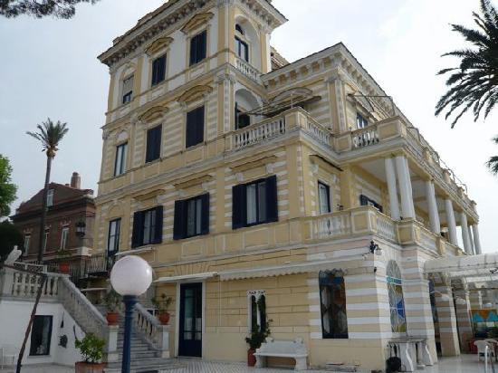 La terrazza picture of villa terrazza sorrento tripadvisor - Villa la terrazza ...