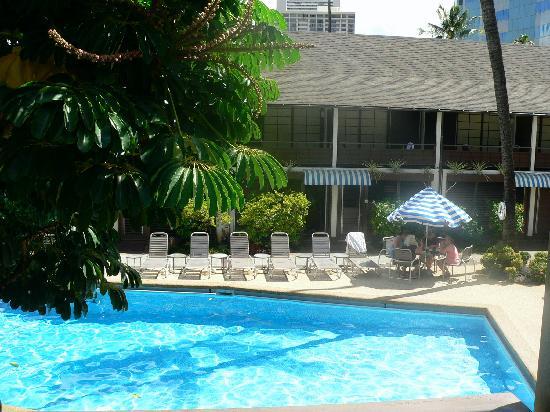 Breakers Hotel: The Pool