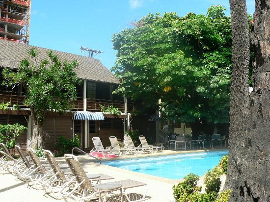 Breakers Hotel: The Pool 2