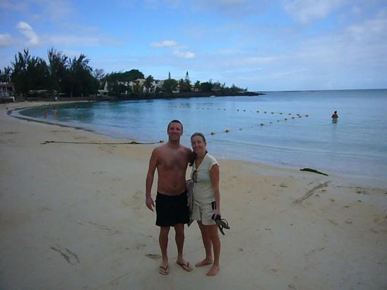 Le Beach Club: Pereybere beach - look at that sea!