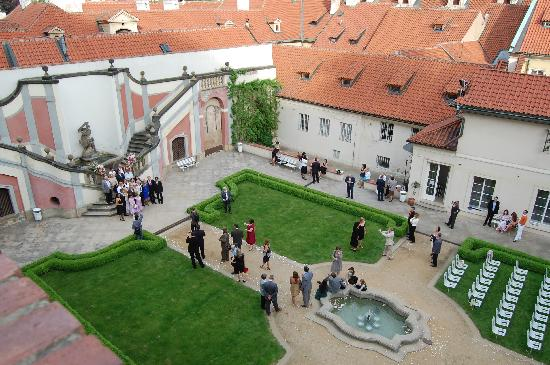 Golden Well Hotel : The courtyard below  (a wedding was taking place)