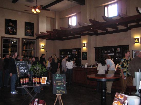 Wiens Family Cellars - Winery: Wien's Tasting Room
