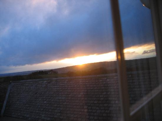 East Byermoor Guest House : Sunset from our room window