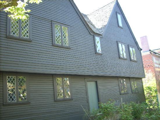 Salem Heritage Trail Tour: Witchhouse