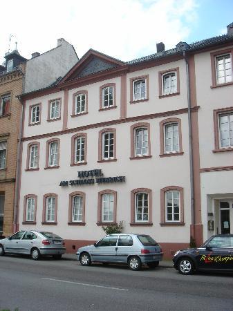 Am Schloss Biebrich: External view of the hotel