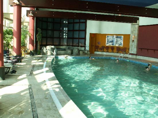 Hilton Lac Leamy Pool