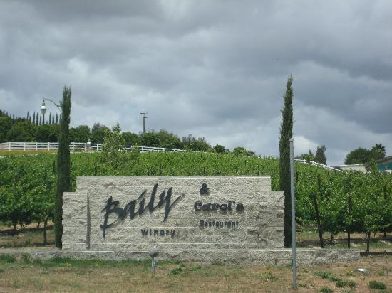 Entry to Baily's Winery & Carol's Restaurant