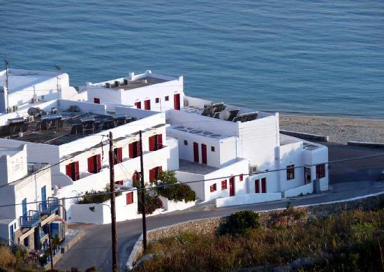 Artemis Hotel: The Artemis is the white building with red shutters