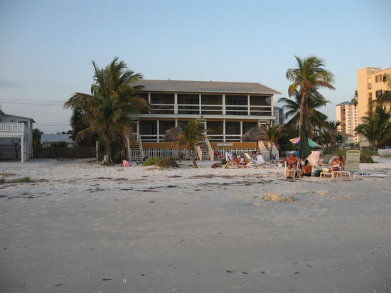 Tiki On The Beach: exterior of hotel