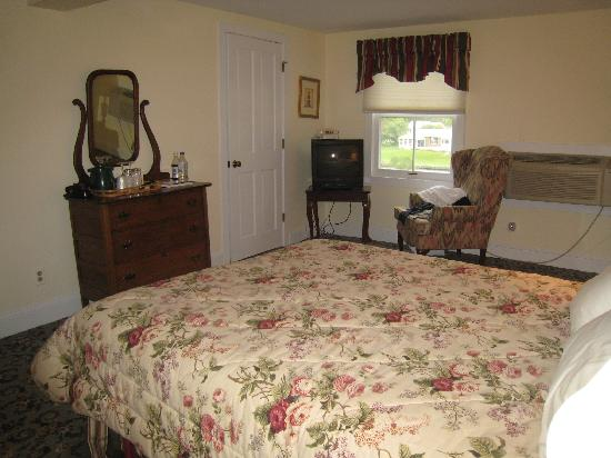 The Oaks Waterfront Inn and Events: Another interior shot of Room 21
