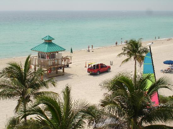 Trump International Beach Resort: plage vue de la chambre