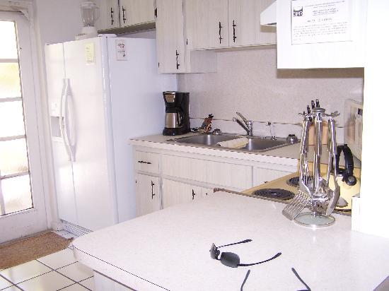 An Island Getaway at Palm Tree Villas: kitchen