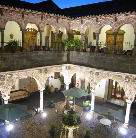 Hotel Los Marqueses: the colonial (main) courtyard