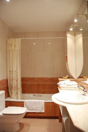 Pensio Viladomat: baño