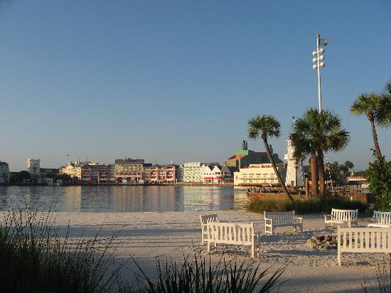 Disney's Beach Club Resort: Boardwalk across from hotel